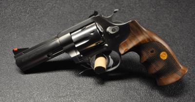 Revolver Alfa Proj 357Mg -- 4